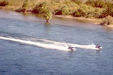 Laughlin - JetSkis on the river